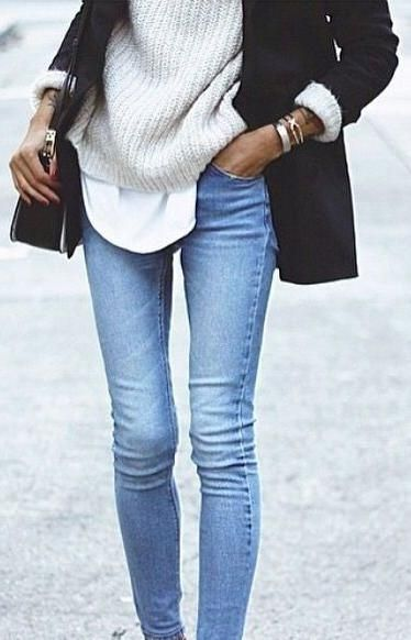 layers. light skinny jeans.
