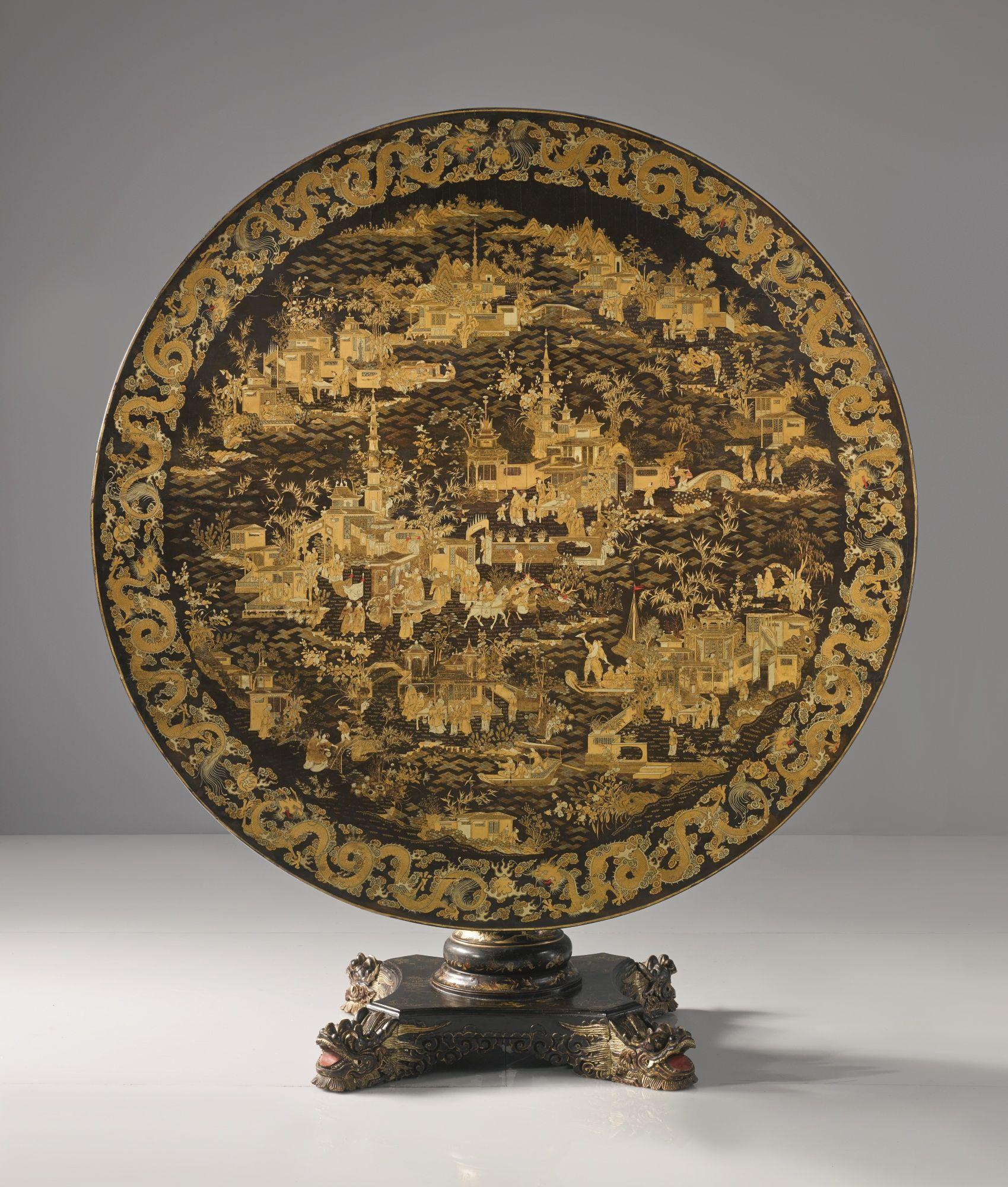 A chinese export parcel gilt black lacquer circular center table circa 1835 lot sotheby 39 s - Biombos chinos antiguos ...