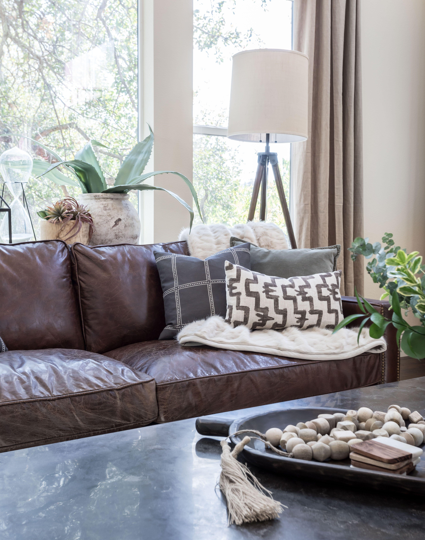 Designer Juxtaposed Interiors Photography Kat Alves Rustic Living Room
