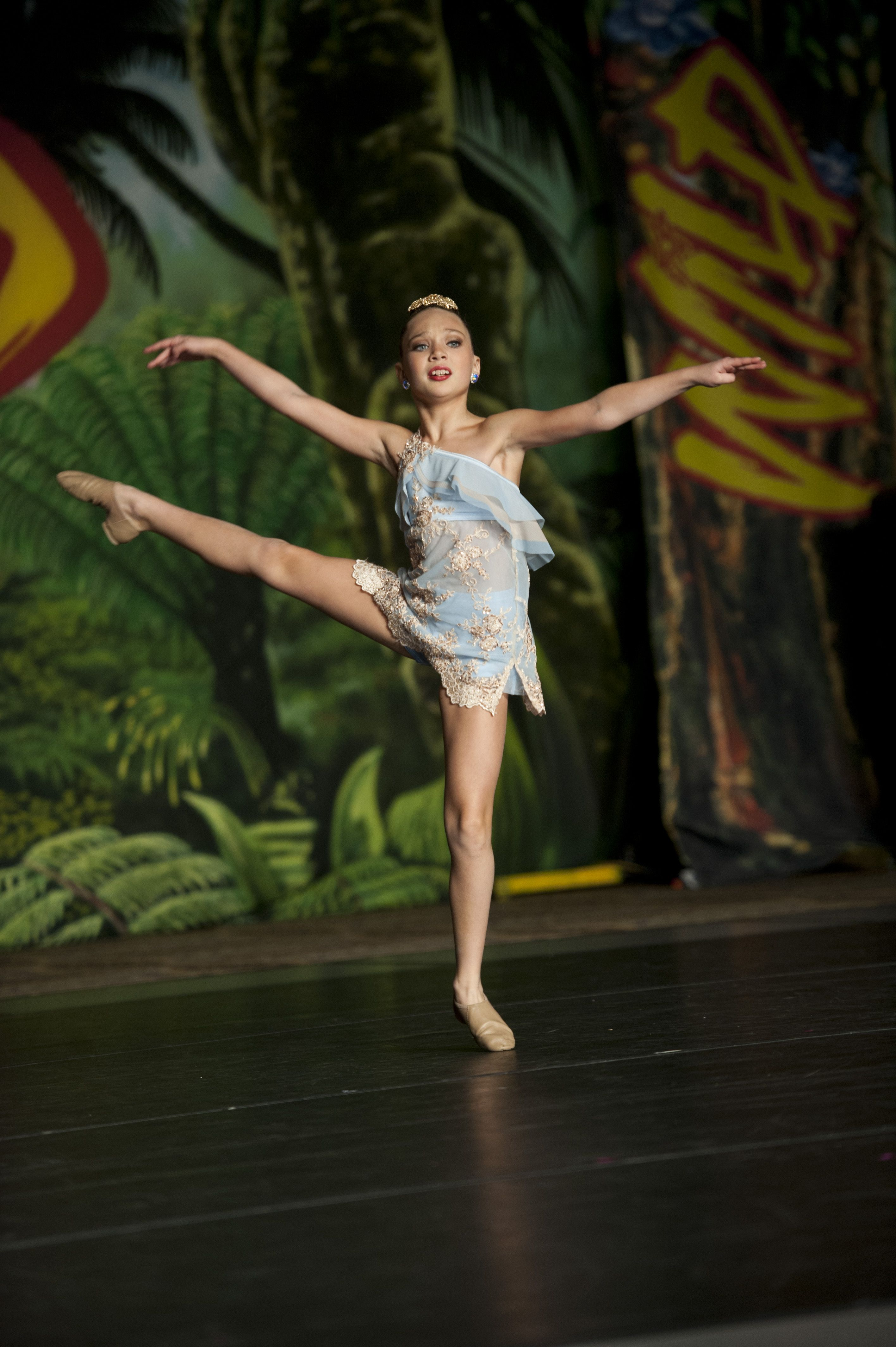 Maddie from Dance Moms performs in the girls' showcase