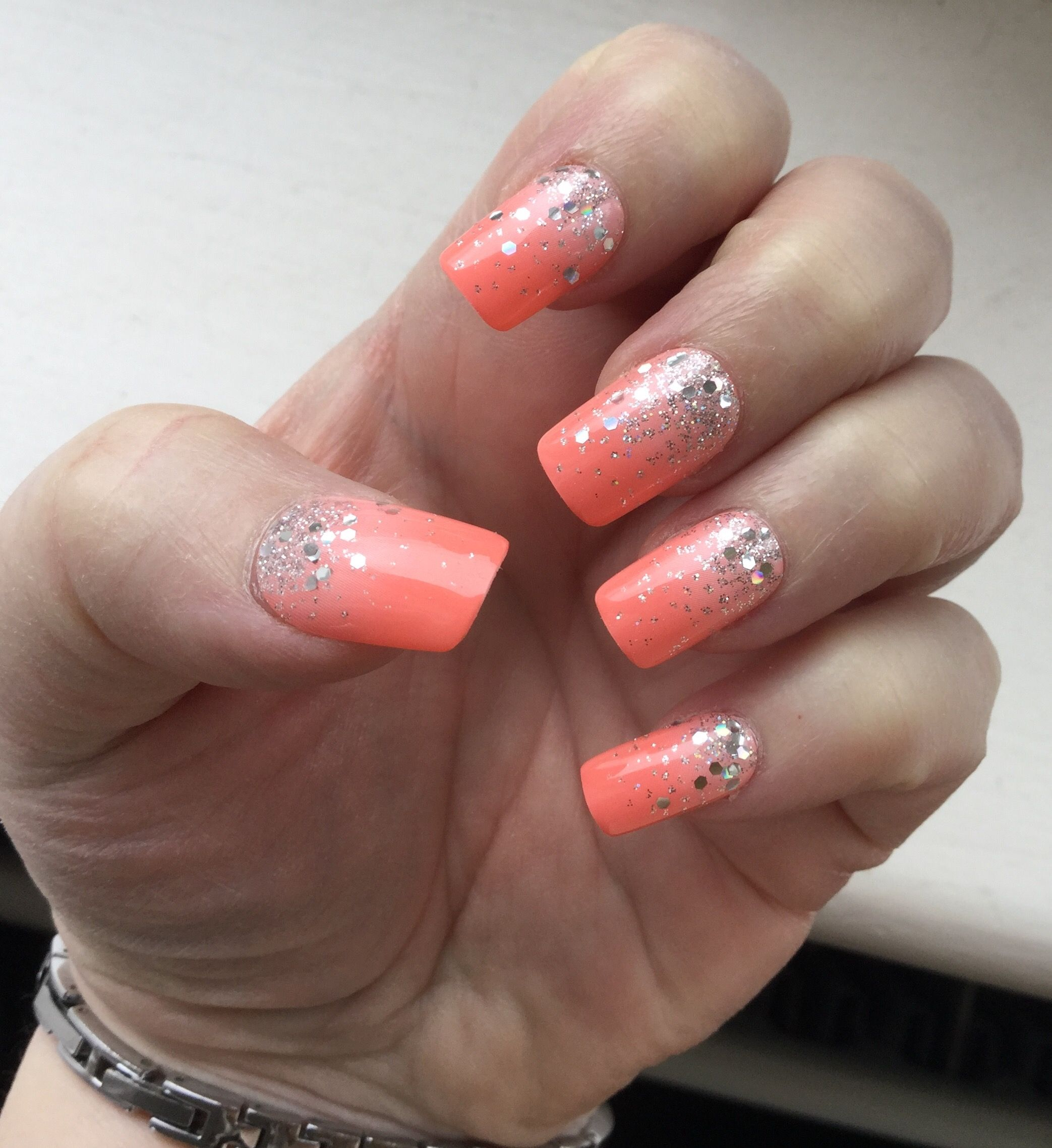 Kiss Gel Fantasy Nails in Freshen Up. Coral - Peach Ombré nails with ...