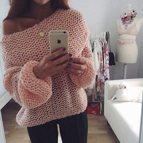 Pretty pink knitted top. Pattern ??? | Dream wardrobes | Pinterest ...