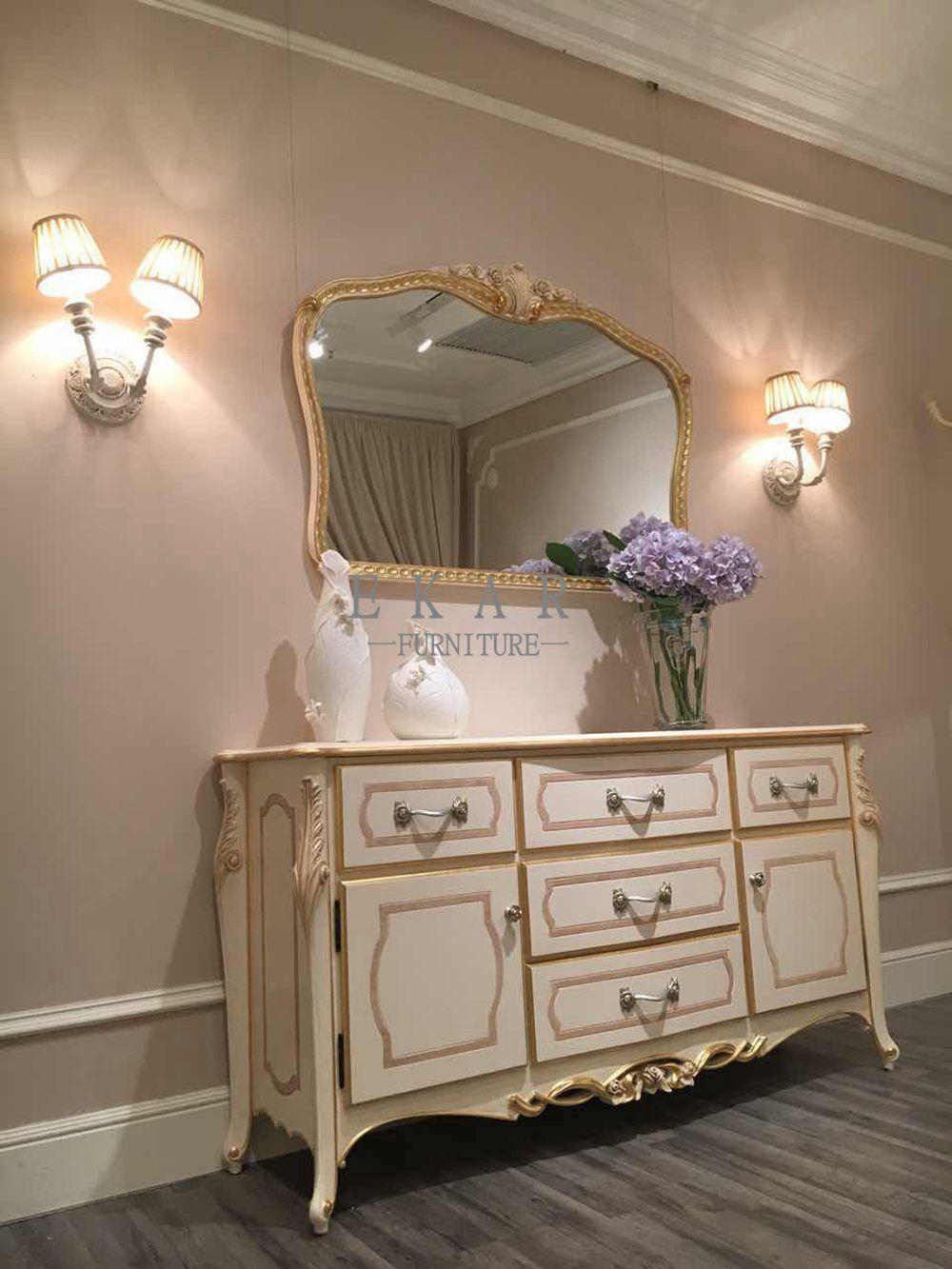 Big white wooden dwawer chestdresserdresser drawer