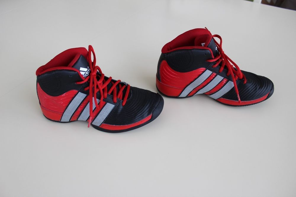 buy online 8388b 110a6 Adidas Commander TD4 Basketball Shoe Boys Youth SIZE 4 Q33390 Black Red   adidas  Athletic