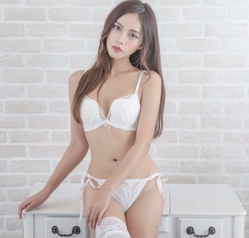 Model hot asian gallery