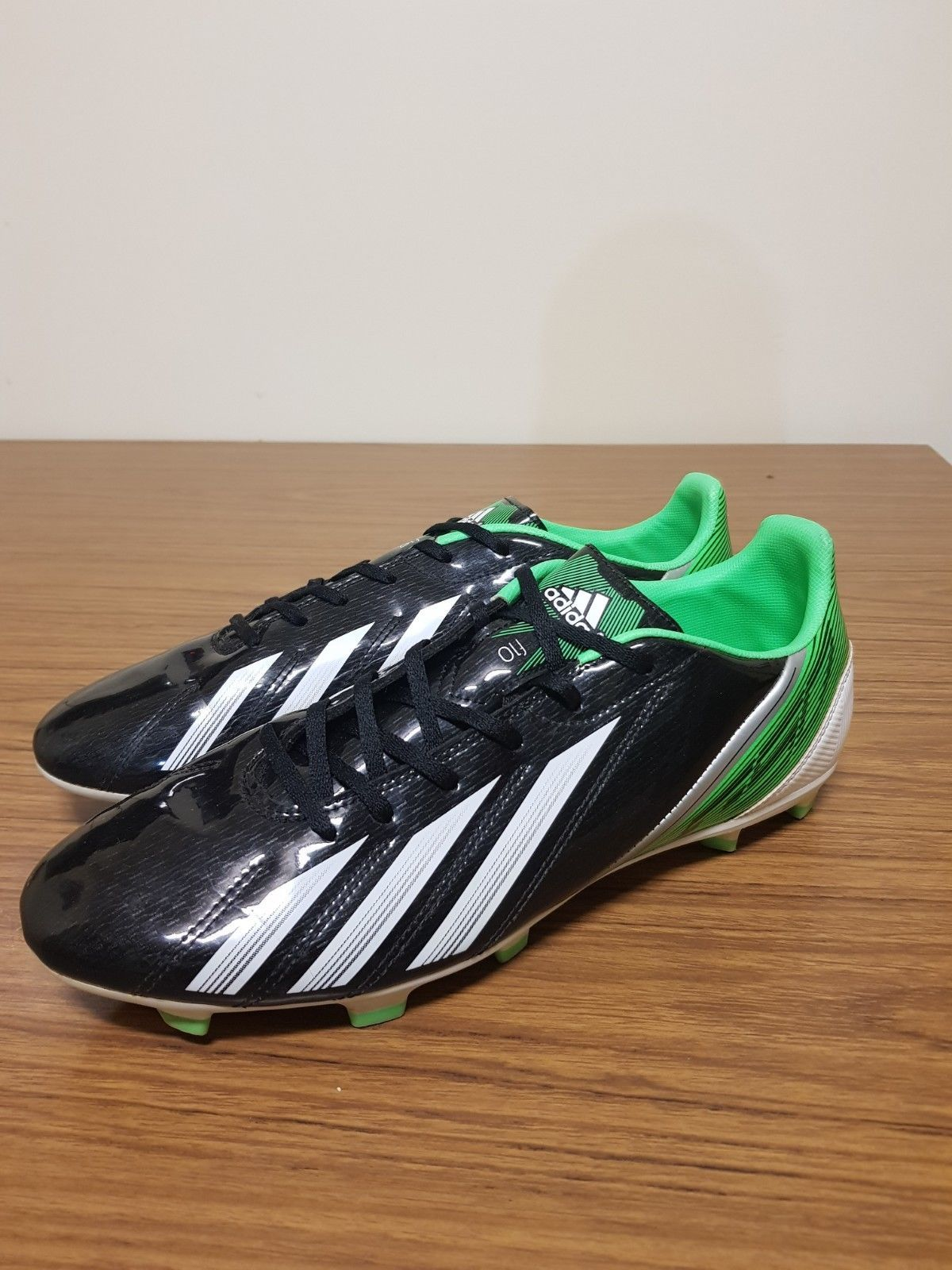 a7751c5c5 Adidas mens sports shoes football/soccer cleats size US10.5 USED (Black &