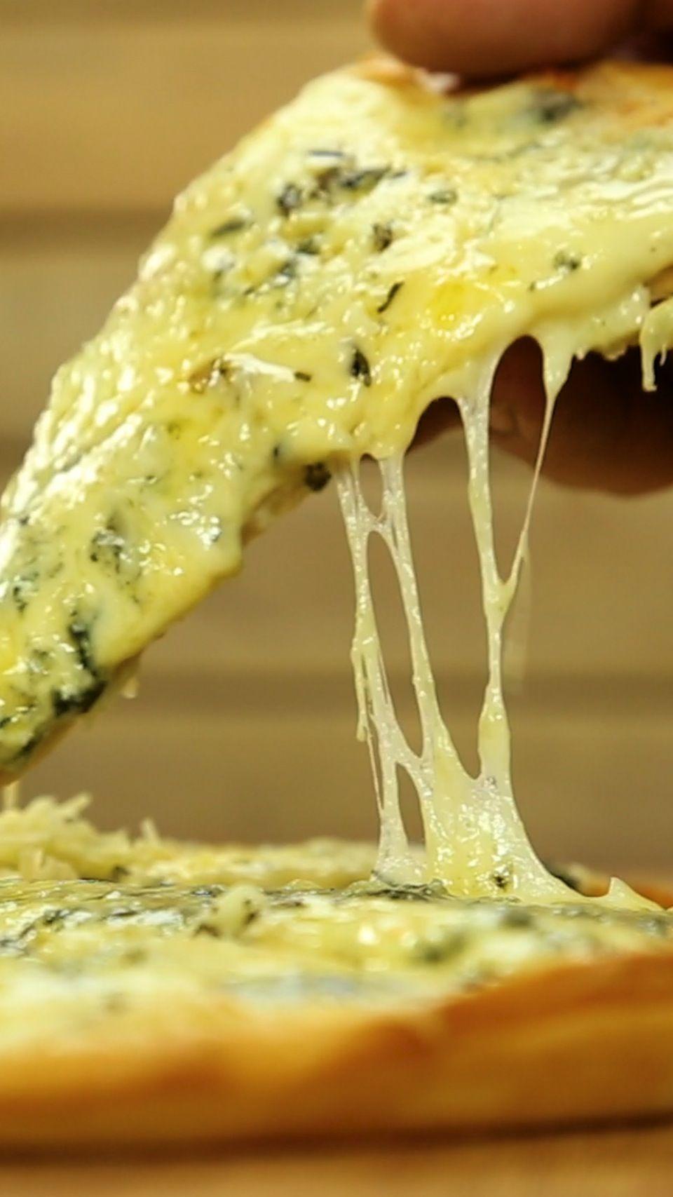 Falsa Pizza De Cuatro Quesos Receta Recetas Faciles De Comida