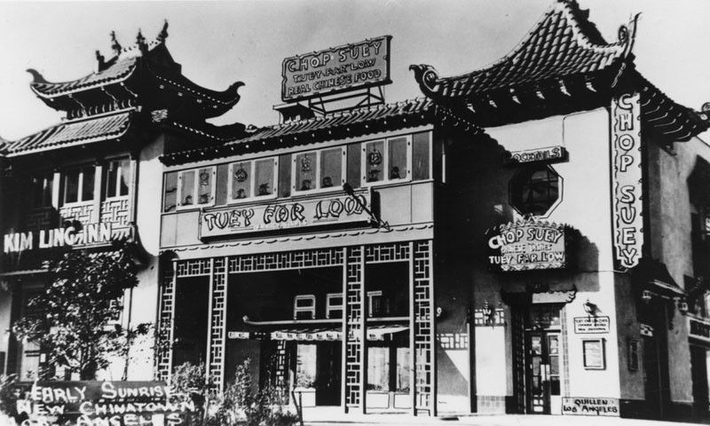 1937 Exterior View Of Tuey Far Low Restaurant In New Chinatown Los Angeles Old Chinatown Was On The Site Where U Chinatown Restaurants Chinatown Los Angeles