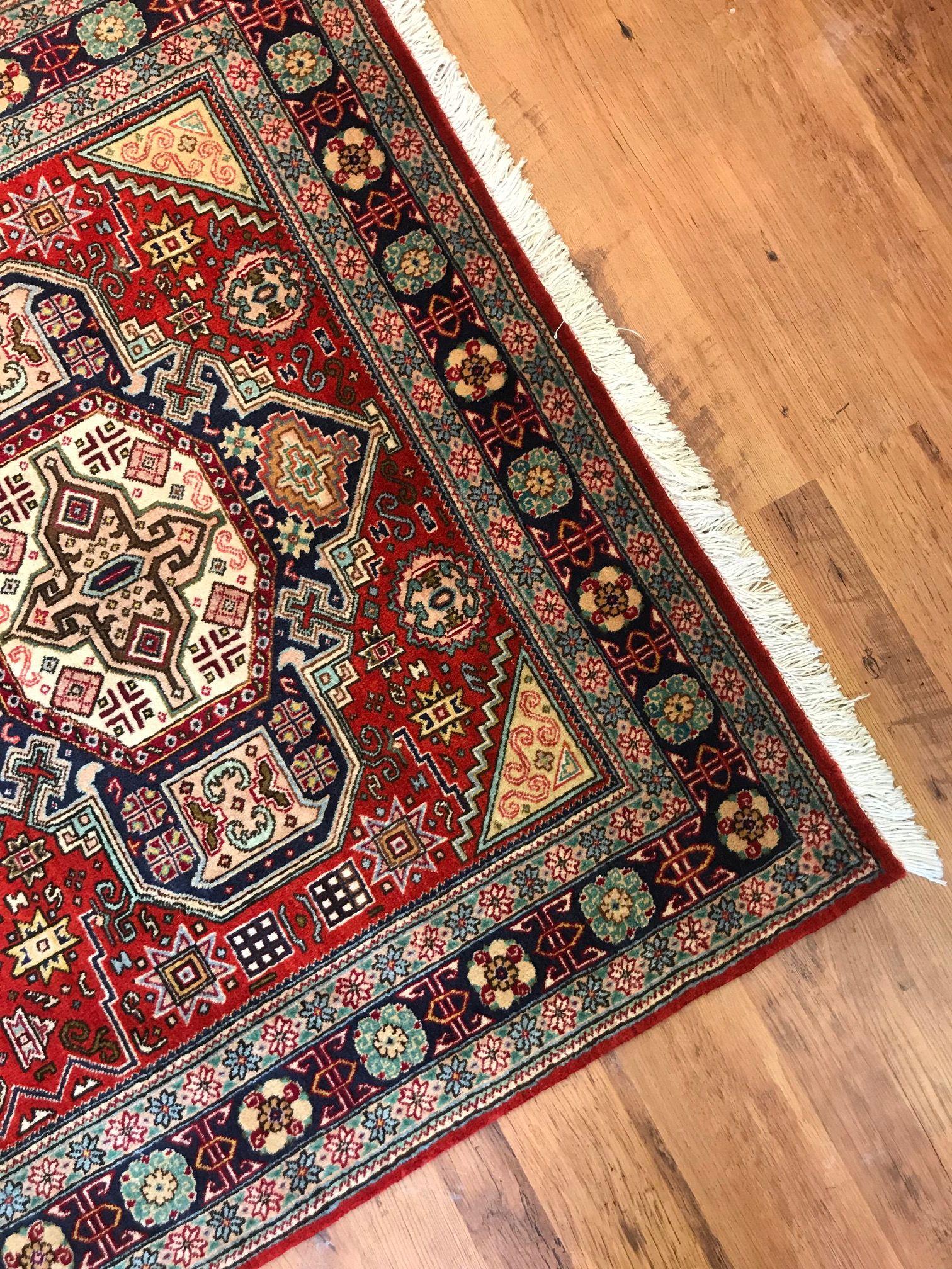 Geometric Tabriz Rug Persian Tabriz Rug Tabriz Rug Rugs On Carpet