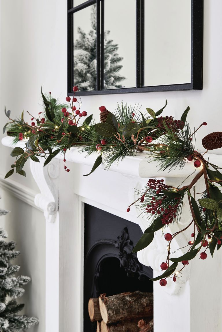 50 Hottest Christmas Decoration Ideas For 2020 Pouted Com In 2020 Berry Garland Christmas Decorations Elegant Christmas Decor