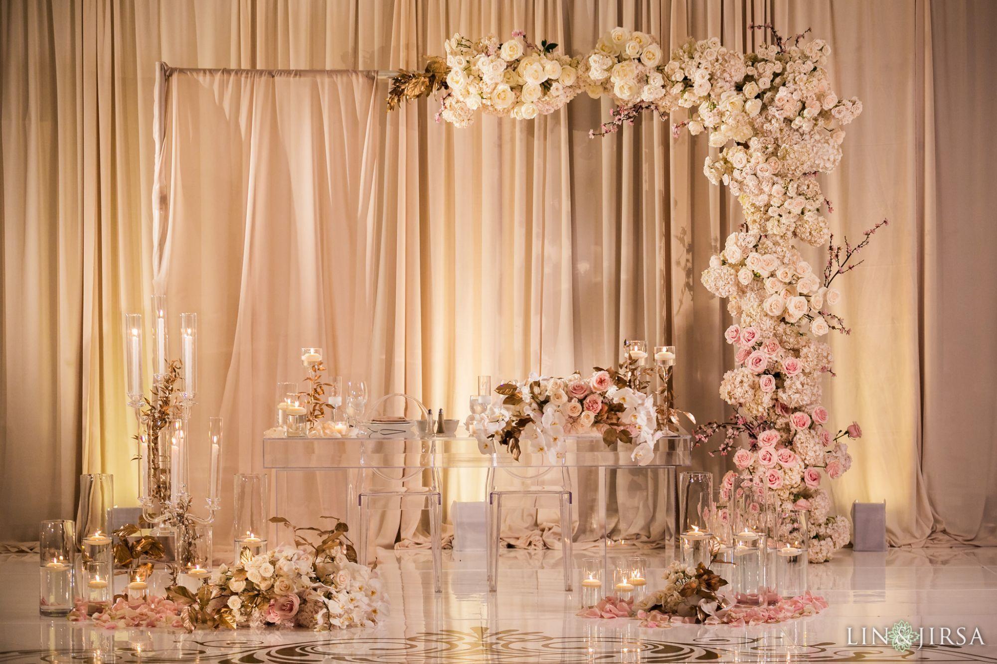 Wedding Konsept 15 Hilton Costa Mesa Orange County Wedding Reception Photog In 2020 Wedding Backdrop Decorations Minimalist Wedding Reception Wedding Stage Decorations
