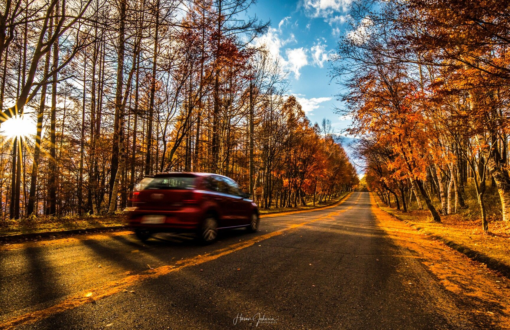 This photo taken by Hasan Jakaria . . . . . #PASHADELIC #絶景delic . #日本の絶景 #長野 #nagano #road #autumnleaves . . #canon_photos #5dmarkiv #igers #instagood #photooftheday #photography #nature #natureshots #nature_shooters #naturephotography #landscape #beautifulview #Japan_daytime_view #japan #japantravel #japantrip #instajapan #ig_japan #photo_jpn #photo_travelers