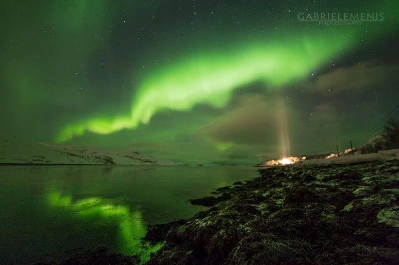 #Aurora with light #pillars yesterday night near #Kirkenes, Norway!  Source: Gabriele Menis Photography