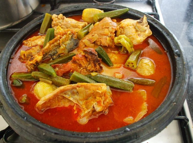 Fufu and palmnut soup delicious foods drink pinterest food fufu with hot pepper soup and chicken u can add okra or eat it bear forumfinder Gallery