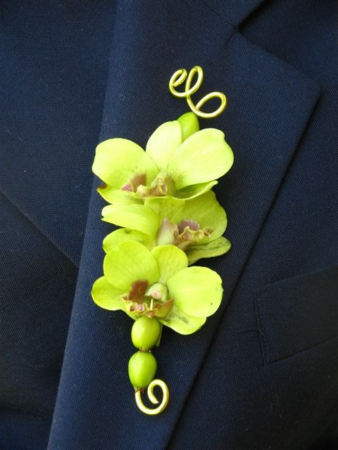 Trend Tuesdays: Boutonnieres - Young Designs