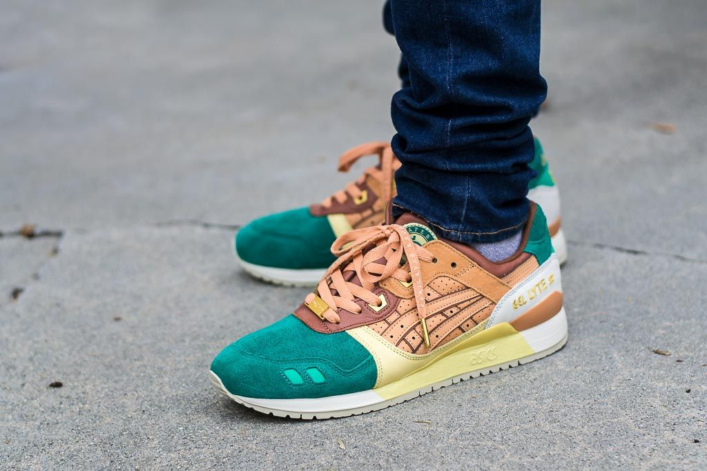 24 Kilates x Asics Gel Lyte III Express On Feet Sneaker