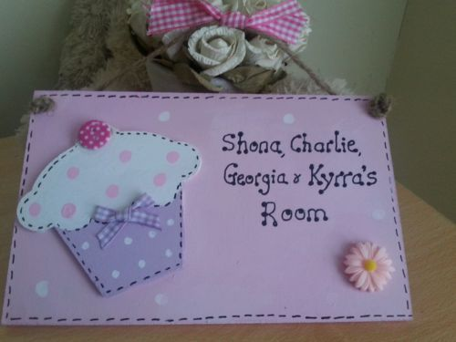 Cupcake #personalised #girls bedroom door #plaque sign ,  View more on the LINK: 	http://www.zeppy.io/product/gb/2/321698465658/
