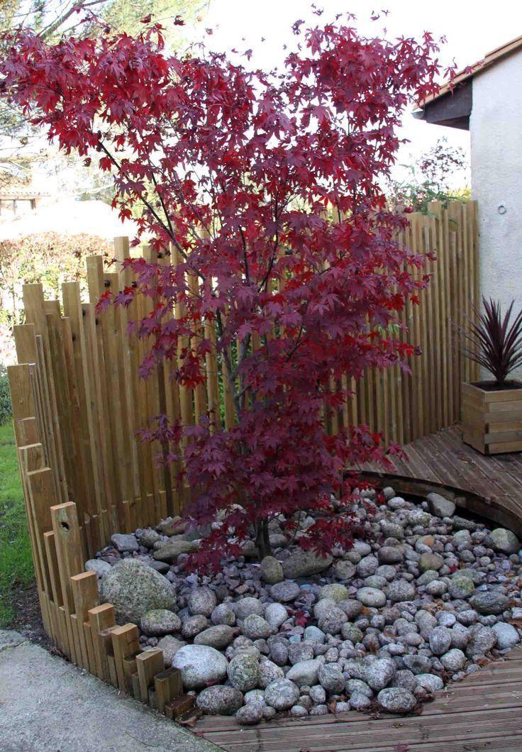 Schone Palisadenubung Zur Trennung Von Zwei Raumen Mit Raffinesse In Einem Traum Garten Garten Landschaftsbau Garten Gartengestaltung