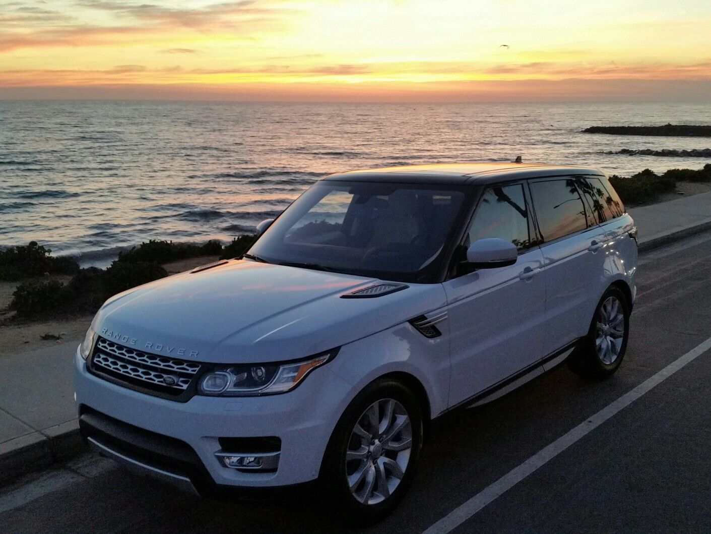 2016 Range Rover Sport HSE with the Td6. A very enticing