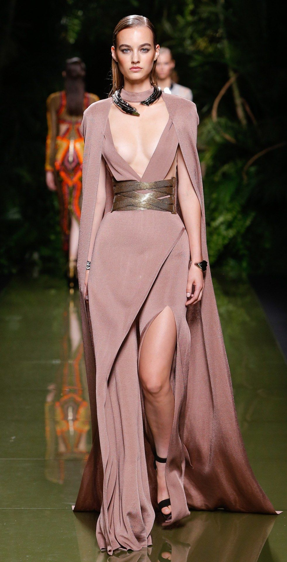 Moderno Perchas Vestido De Dama Ornamento - Colección de Vestidos de ...