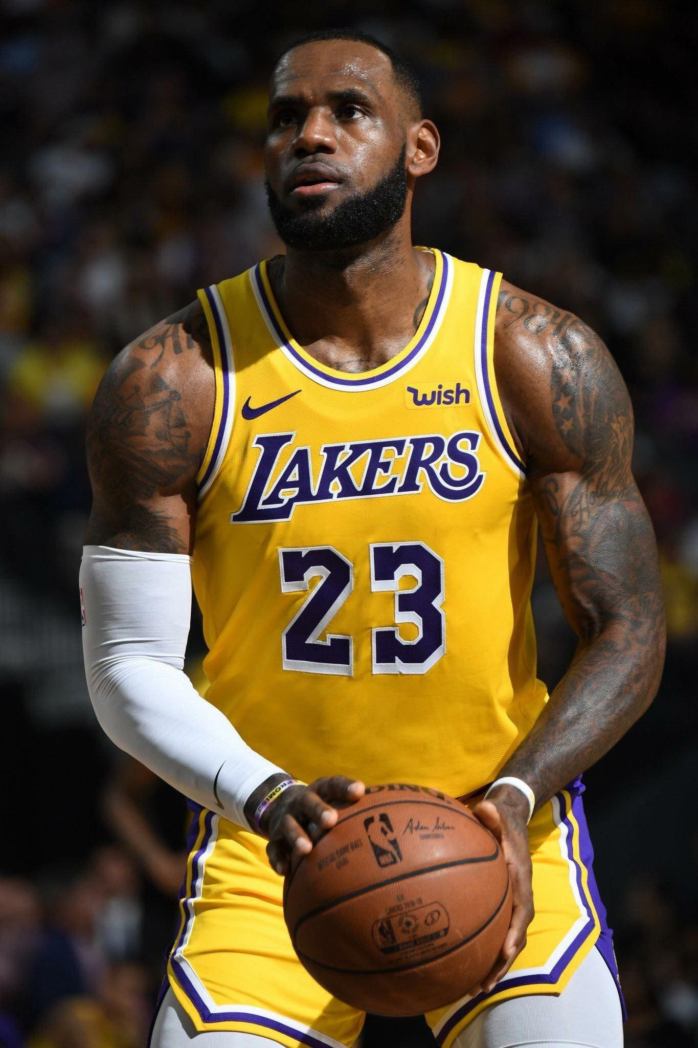 basketballpictures Lebron James Lakers c2f8cd633