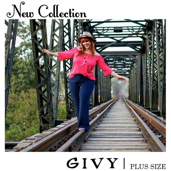 Boa tarde Divas! Amamos este look da nova coleção! Essa bata linda já acompanha colar super estiloso!! Vem arrasar!