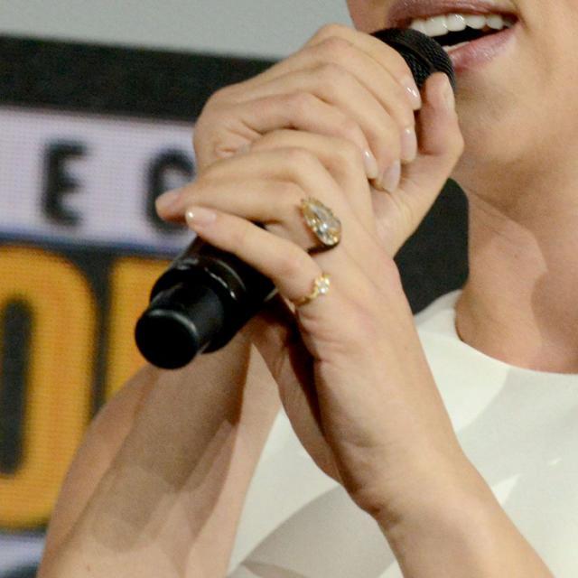 See Scarlett Johansson's Stunning Engagement Ring From