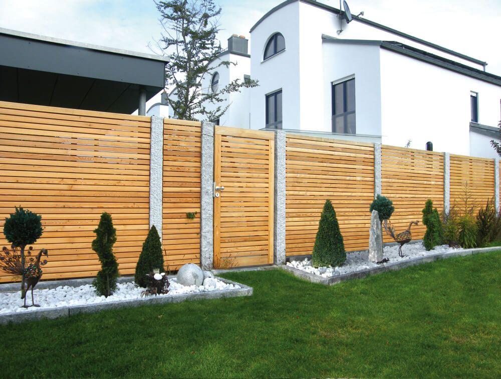 Holz sichtschutzzaun holzland hundshammer garten for Projecteur facade exterieure