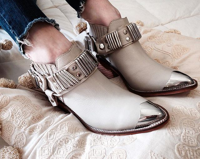 #Cloetas ♥ #eloisa #bootie #backinstock #marfil #must #holidayspirit