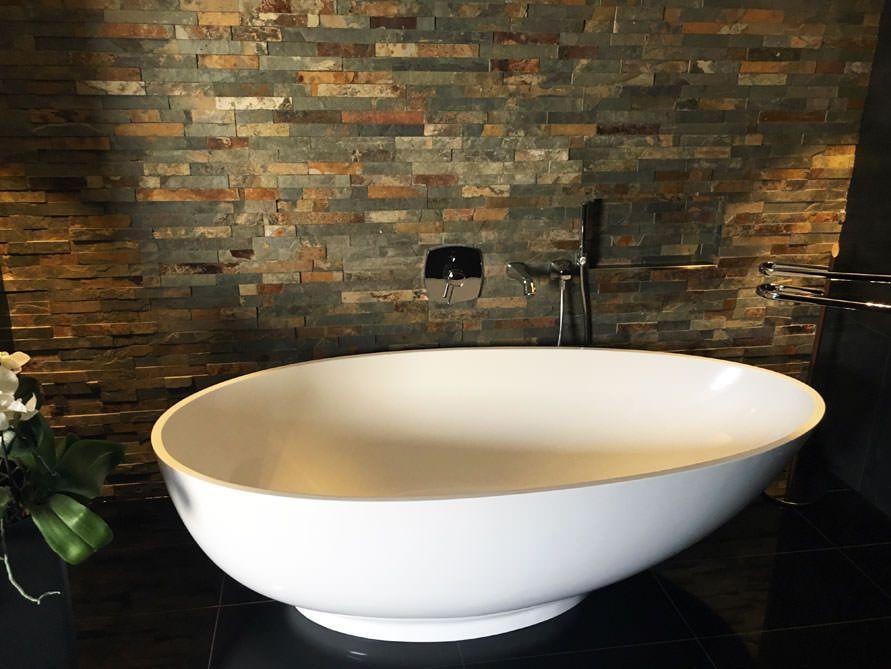 Freistehende Badewanne Campione aus Mineralguss - Weiß matt oder