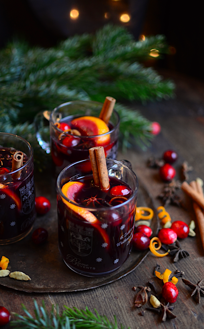 An authentic recipe for Glühwein (German mulled wine) and