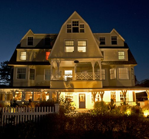 The Tides Beach Club Kennebunkport  Yankee Mag 1 of 10 best seaside inns The Tides Beach Club Kennebunkport  Yankee Mag 1 of 10 best  . Porch Dining Room Kennebunkport. Home Design Ideas