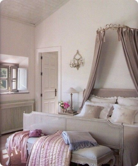 Arredare una camera da letto romantica | bedroom - chambre à coucher ...