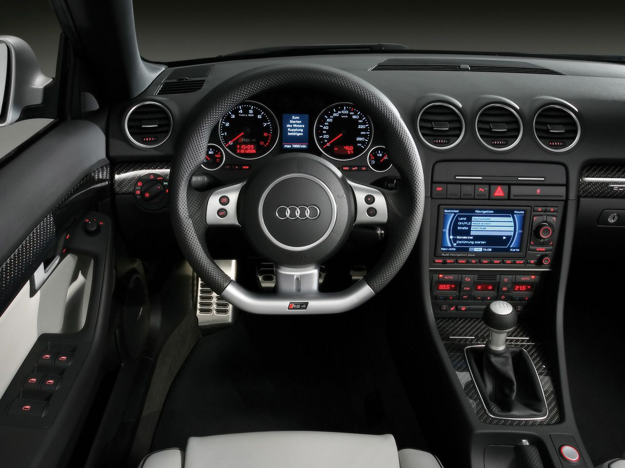 hight resolution of audi rs4