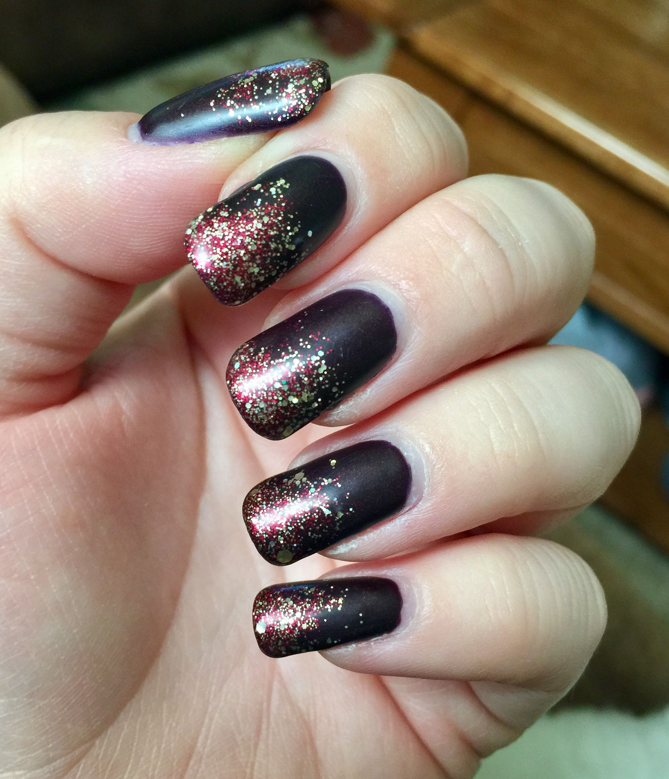Fall nails. Matte nails. Gel polish. Dark red. Gold glitter. | Nails ...