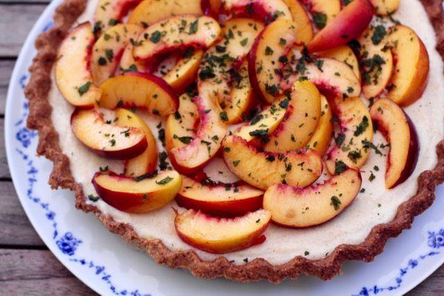 Nectarine-Cream-Pie (aka Ferragosto-Pie) - Pippa Pie-Maker