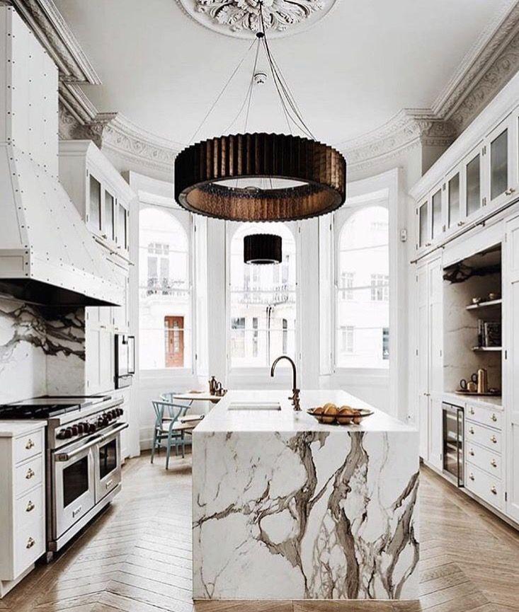 Pin von anne calmelly auf appartement parisien | Cuisine moderne ...