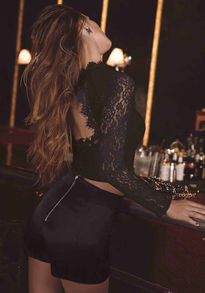 4e9f50086ae bebe | Lace Mock Neck Crop Top - View All | Night Out | Moda, Bebe ...