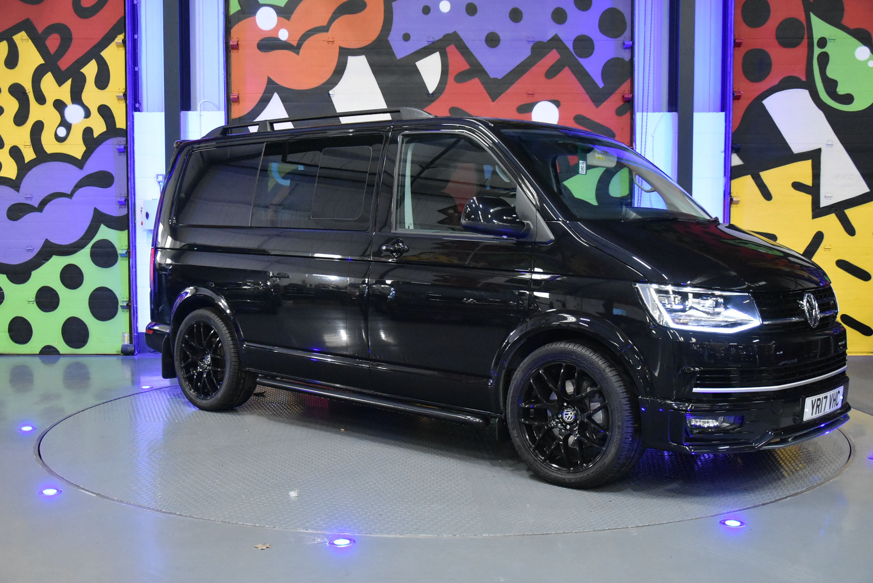 Deep Black Vw Transporter T6 Swb 150ps Dsg Highline Kombi Vw Transporter Volkswagen Bumper Protector