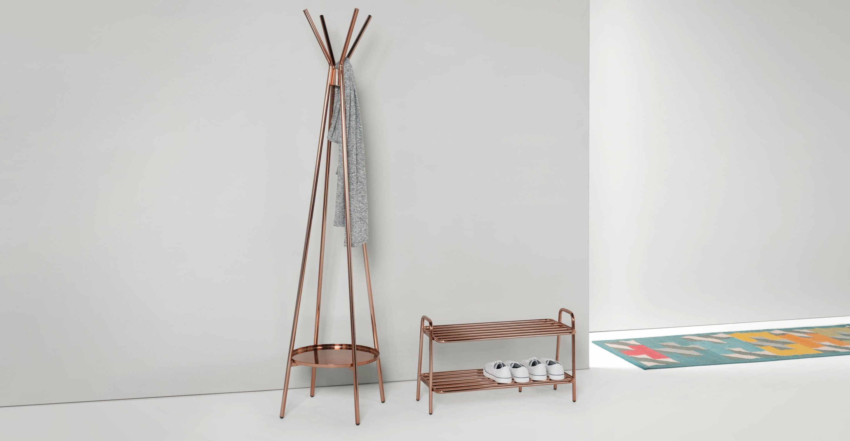 Alana Garderobenständer, Kupfer | Coat stands, Shoe rack and House