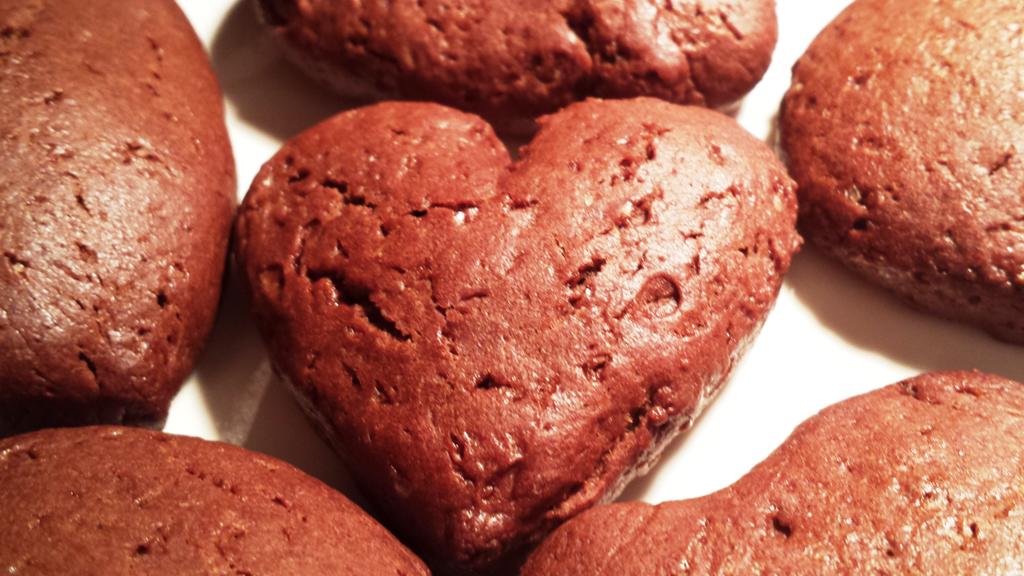 Valentinovi kakavovi piškoti z avokadom