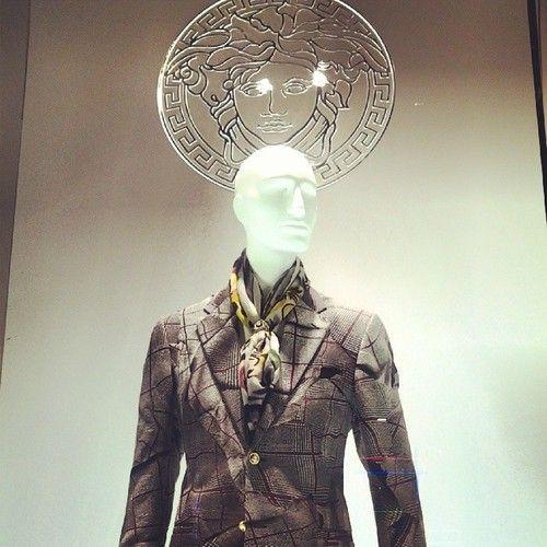 Leche vitrine: Montenapoleone: Versace 2013