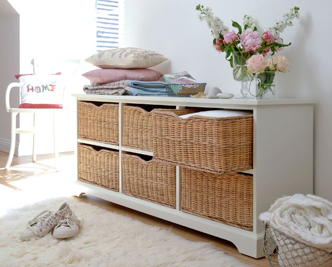 Farmhouse Ivory 6 Drawer Chest