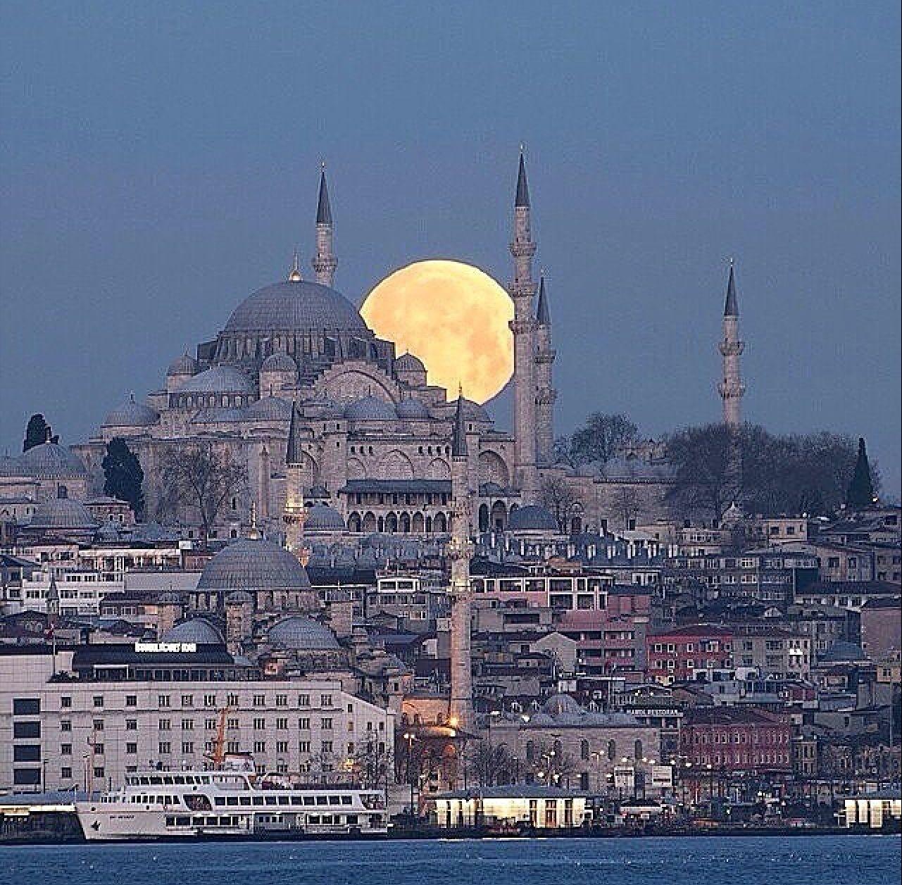 Plateia.co #CreatividadsinLimites #PlateiaColombia #foto #pic #arte #art #artista #artist Istanbul,Turkey +