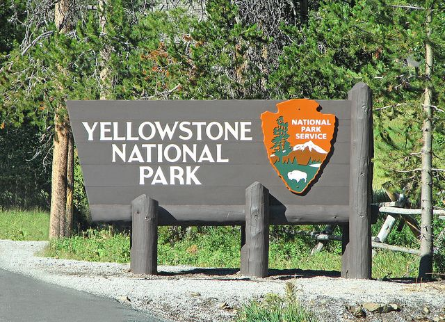 Yellowstone National Park S Sign In East Entrance Yellowstone National Parks Yellowstone National