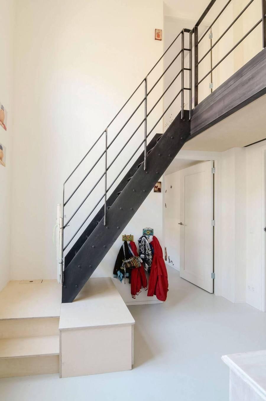 Un loft dans une ancienne école aux Pays Bas #dunkleinnenräume