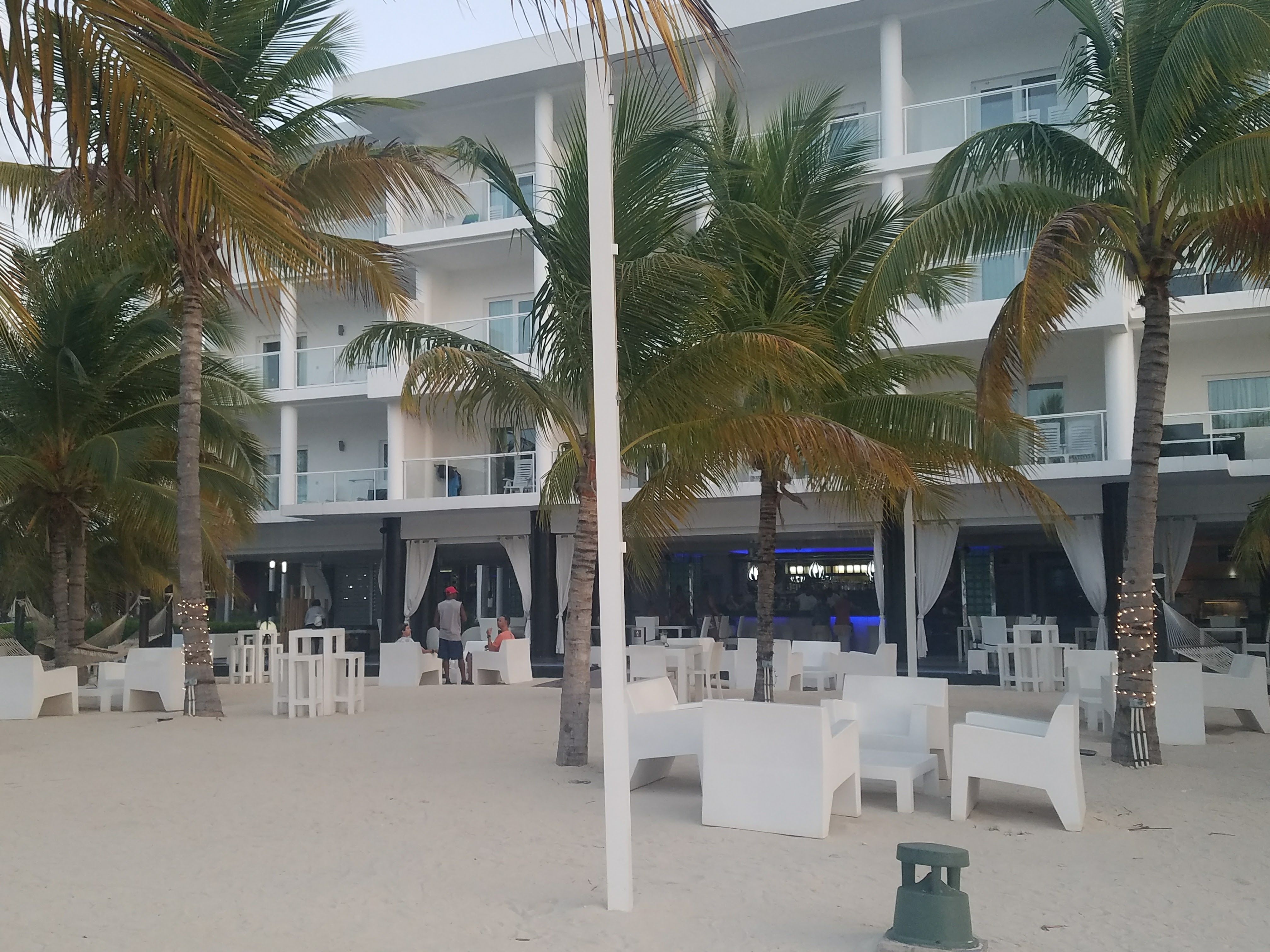 Let me start off by saying I love the Riu Brand Hotels. I