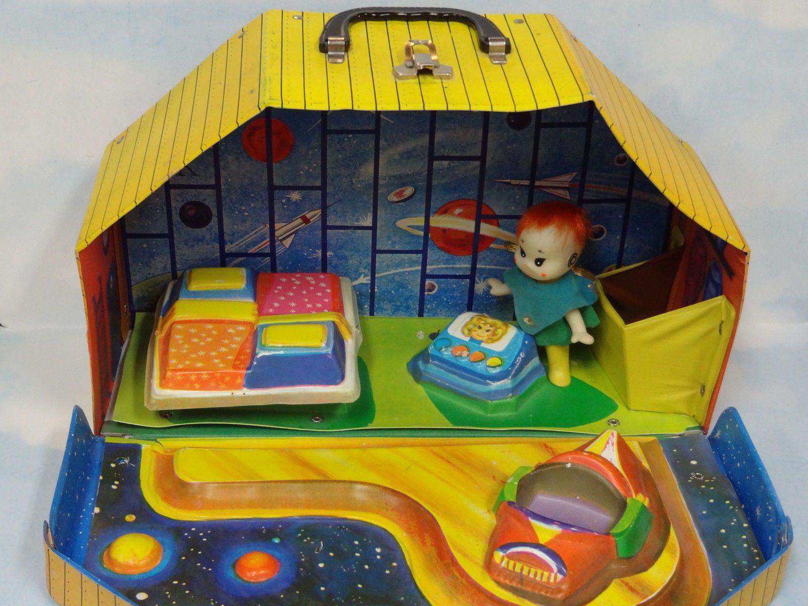 RARE 1967 Vintage J Swedlin Gund Mini Martians Star House