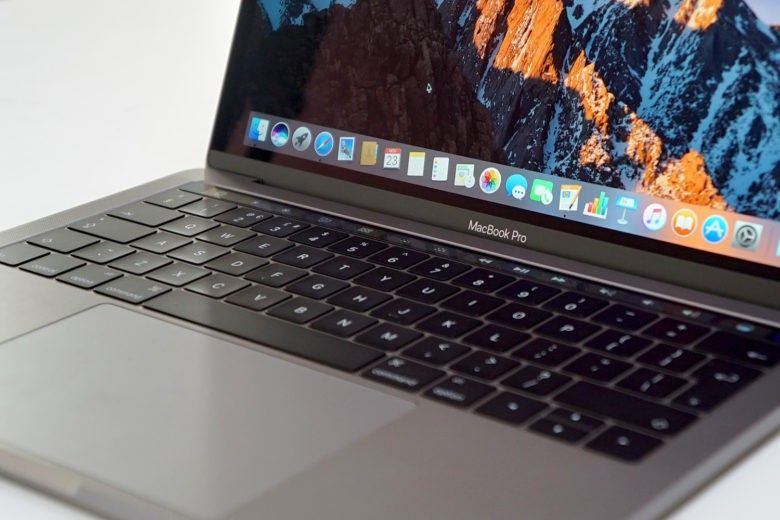 Macbook Pro With Touch Bar Unboxing First Look Is Amazing Macbook Pro Macbook Macbook Pro Touch Bar
