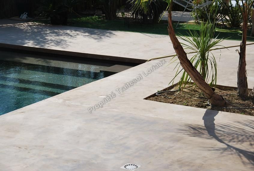 photos de sol beton cir en exterieur poolside. Black Bedroom Furniture Sets. Home Design Ideas